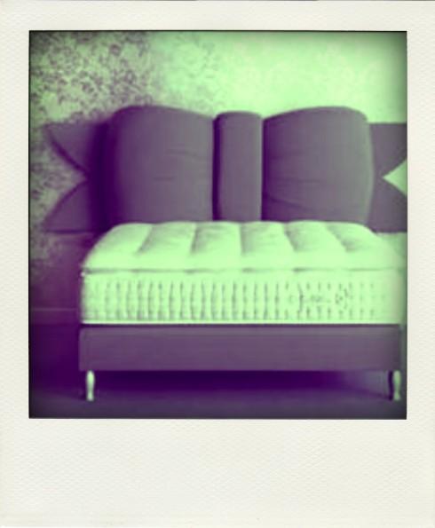 pieds de lit originaux cespetitsriensparisiens. Black Bedroom Furniture Sets. Home Design Ideas